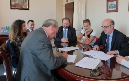 El Gobierno de Gibraltar firma el primer acuerdo de compra de energía renovable