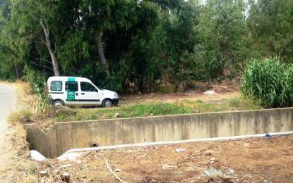 Javier García supervisa los trabajos en arroyo y canales