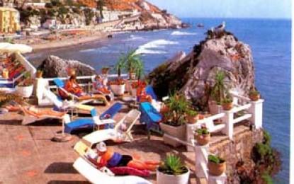 Abierta al baño la playa de Poniente de Gibraltar