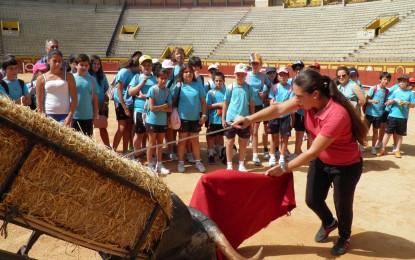 La escuela taurina de Algeciras recibe al Colegio María Auxiliadora