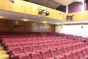1024px-John_Mackintosh_Hall,_auditorium,_Gibraltar_2