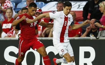 Gibraltar pierde por 0-7 ante Polonia en el debut europeo