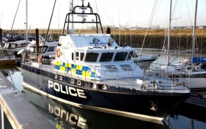 Diez ciudadanos españoles detenidos en las costas gibraltareñas tras huir de las autoridades marítimas españolas