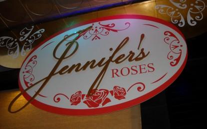 Esta noche se inauguró Jennifer's Roses, una tienda que le da categoría a La Línea