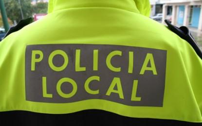 Agentes de la Policía Local colaboran con Guardia Civil en la persecución de varias lanchas que pretendían alijar tabaco