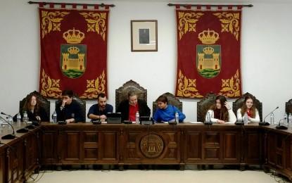 Gemma Araujo discrepa de las quejas del PP por las preguntas plenarias y recuerda la desorganización de ese grupo municipal