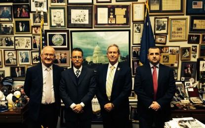 García se reúne con el Presidente del Grupo del Congreso estadounidense para el Reino Unido