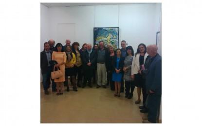 Visita del Servicio de Cultura de Gibraltar a la exposición de George Kowzan y reunión con el Presidente de la APLAMA en Málaga