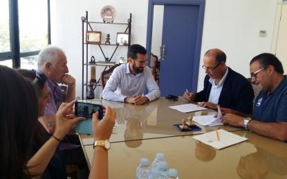 Firmado el convenio de colaboración entre Ayuntamiento y Cepsa por importe de 16.000 euros destinados a deportes, cultura y festejos