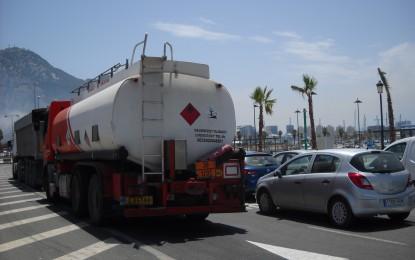 IU condena las colas para entrar y salir desde Gibraltar