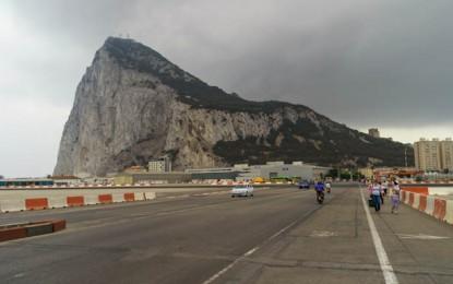 Se presenta un estudio que resalta la interdependencia entre las economías del Campo de Gibraltar y del Peñón
