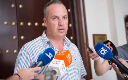 Los Ayuntamientos de San Roque y Jimena abordan cuestiones de Salud de sus municipios en la Subdelegación de la Junta