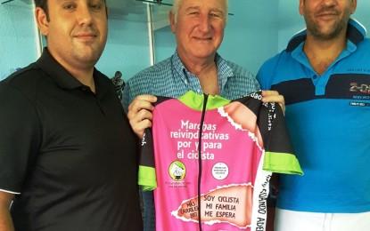 """El concejal de Deportes aplaude la iniciativa de la plataforma ciclista """"una bici, una vida"""""""