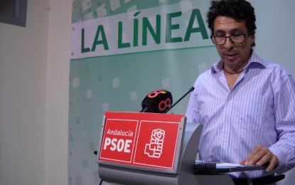 El portavoz socialista, Miguel Tornay, tacha al alcalde de insensible con los vecinos de la AAVV. Santiago-Conchal-Castillo y le exige que atienda su petición por los graves problemas de saneamiento que sufren