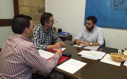 Diputación estudiará las opciones de vivienda protegida en Jimena