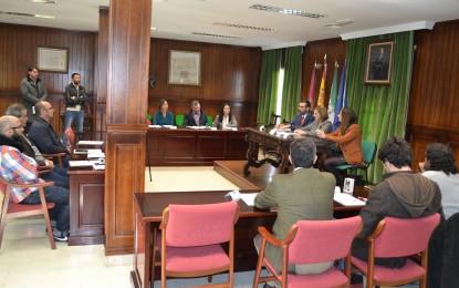 Irene García suscribe los planes de empleo que se emprenderán en el municipio de Tarifa