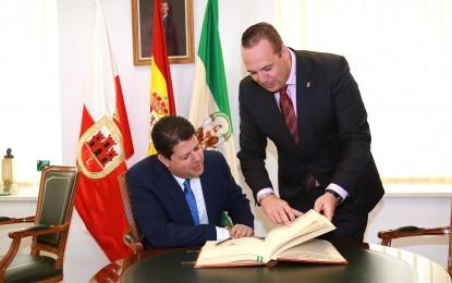 Ruiz Boix y Picardo acuerdan promover iniciativas de empleo y cultura