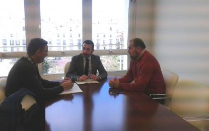El delegado del Gobierno y el alcalde de Jimena analizan las inversiones de la ITI de Cádiz