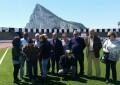 Los participantes en el taller de reminiscencia reviven emociones en una visita al estadio municipal