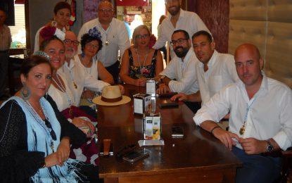 Desayuno de la Reina y Damas y Corporación Municipal en el Café Modelo