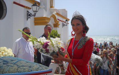 Multitudinaria ofrenda floral a la Virgen del Carmen