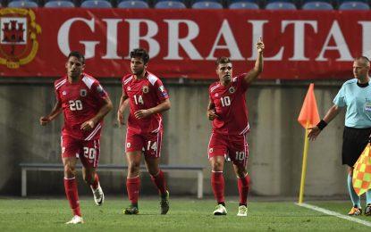 Walker marcó para Gibraltar el primer gol en fase de clasificación para un Mundial (1-4) ante Grecia