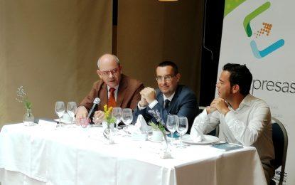El alcalde debate con la Confederación de Empresarios de Cádiz las posibles consecuencias del Brexit