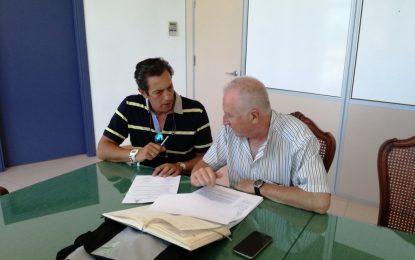 Deportes y el Real Club Náutico firman un convenio de colaboración con motivo de la Copa Láser de Vela
