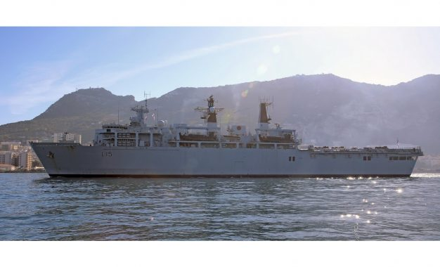 El HMS Bulwark atraca en Gibraltar