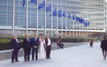 El Grupo Transfronterizo se trasladó a la Comisión Europea para mantener una serie de reuniones con funcionarios de la comisión e Euro Parlamentarios
