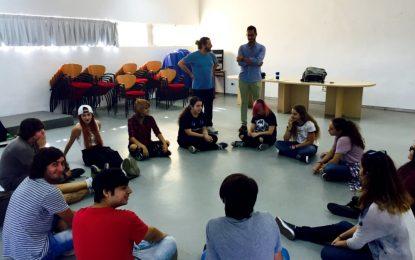 La Casa de la Juventud ha acogido un taller para potenciar la creatividad de los jóvenes