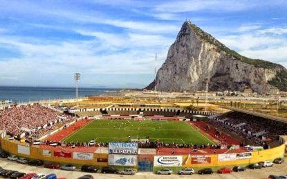 El Consejo Superior de Deportes se compromete con el alcalde a ayudar a sufragar los costes de reparación del Estadio Municipal