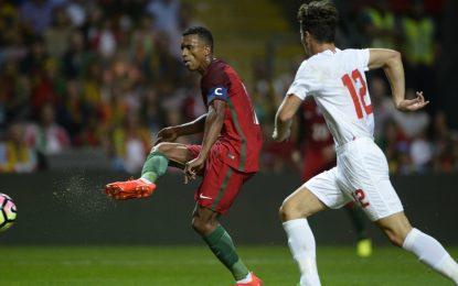 Portugal gana por 5-0 a Gibraltar en Oporto