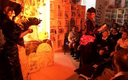 """La biblioteca potencia el interés de los escolares con """"El misterio de la dama oscura"""""""