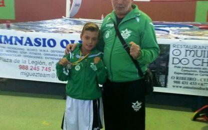 """El concejal de Deportes felicita a Miguelito, """"El ciclón II"""", por conseguir el subcampeonato nacional de boxeo olímpico en edad escolar"""