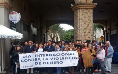 Jóvenes de La Línea marchan contra la violencia hacia las mujeres