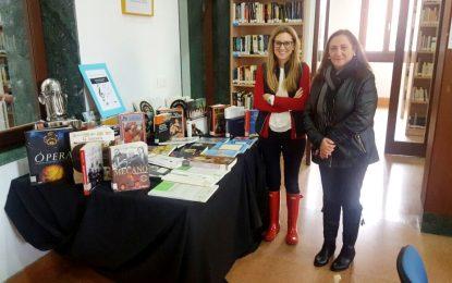 La música protagoniza la nueva exposición de libros en la biblioteca municipal