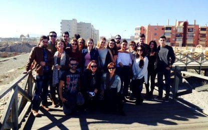 Alumnos del Menéndez Tolosa diseñan un proyecto de alojamientos turísticos en los búnkeres