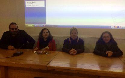 La concejal de Cultura asiste a un acto protagonizado por Miguel Becerra y organizado por Mar del Sur