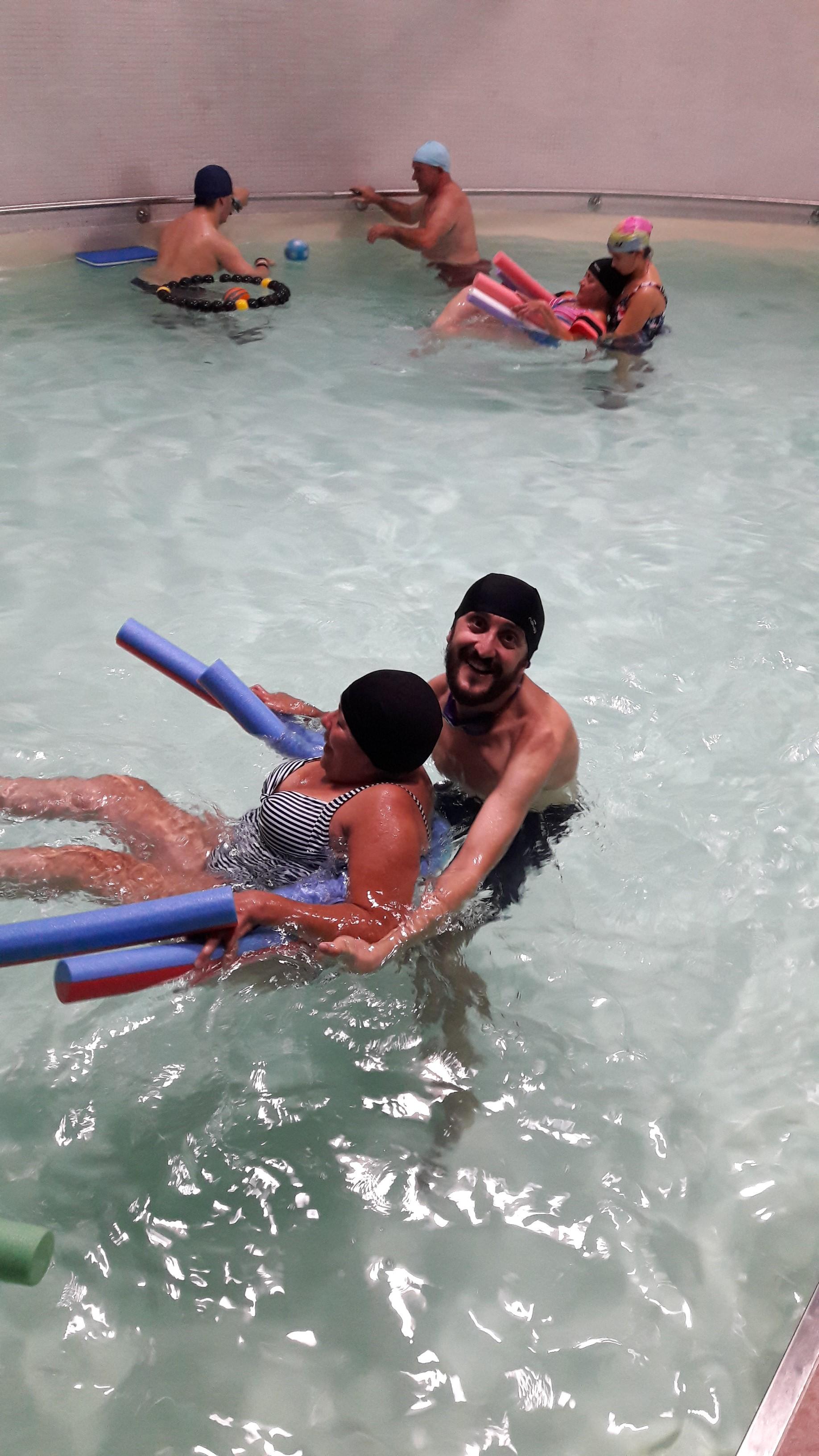 En la piscina s se puede nuevo servicio de fegadi for Se puede fumar en las piscinas