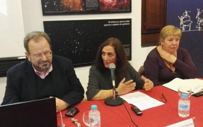 Extraordinaria conferencia de John Cortes en el Museo del Istmo