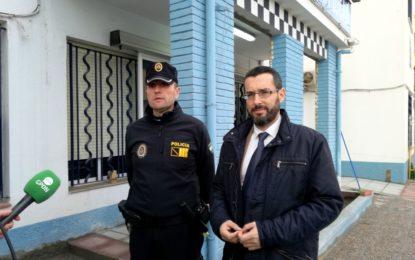 El alcalde visita las obras de mejoras de la jefatura de la Policía Local