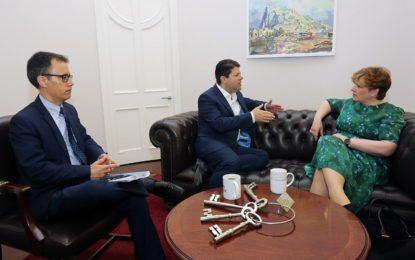 Emily Thornberry, Portavoz de Exteriores del Partido Laborista, visita Gibraltar en el marco del Brexit