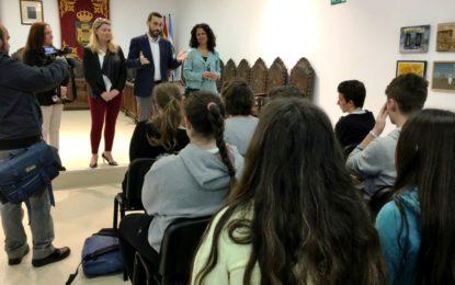 Recepción municipal al IES Mar de Poniente y alumnos de intercambio franceses