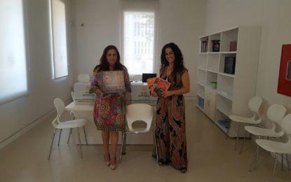 El Museo Cruz Herrera recibe un centenar de libros de arte donados por la familia del JEMAD Ángel Liberal