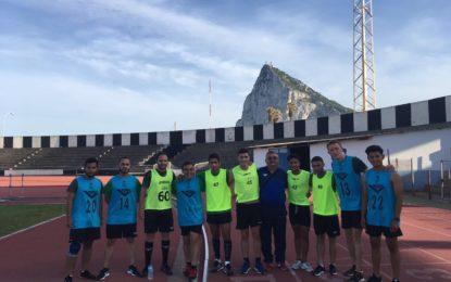 40 árbitros de Algeciras y La Línea participan en las pruebas de oficial y nuevo ingreso celebradas en el Estadio Municipal