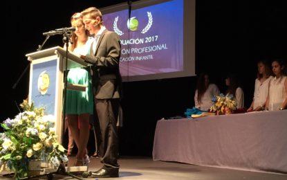 El Palacio de Congresos acoge un emotivo acto de graduación del alumnado del instituto Antonio Machado