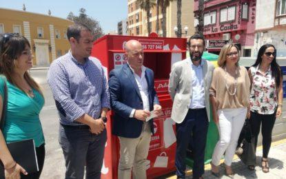 Presentados los nuevos contenedores de recogida de materiales textiles que se ubicarán en 79 puntos por toda la ciudad