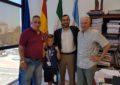 El alcalde recibe a Miguelito de los Ríos, boxeador alevín con varios títulos