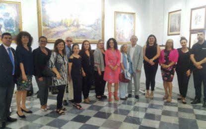 La concejal de Cultura asiste a la jornada de puertas abiertas de la galería gibraltareña de arte Mario Finlayson
